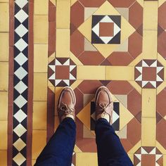 Patterns mix things up... #ootd #sactown #Sacramento #clarks #thecapital #patterns #tiles #actlikeatourist #traveloften