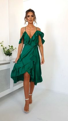Gorgeous Green Dress For Pretty Ladies * Page 9 of 14 green dress casual,emerald gre. Casual Formal Dresses, Elegant Dresses, Pretty Dresses, Short Dresses, Wrap Dress Formal, Sexy Dresses, Satin Dresses, Green Dress Outfit, Dress Outfits