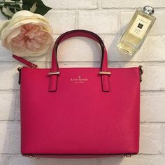 """20% Off Sale Kate Spade Crossbody Harmony Pink HP ♠️Kate Spade Crossbody Harmony Sweetheart Pink♠                                           ✖️No Trades✖️Price is Firm✖️                                             ♠️️DETAILS 7'h x 11.1""""w x 3.7'd drop length: 4"""" handle, 22"""" cross body ♠️MATERIAL crosshatched leather with matching trim caroleena spade dot lining 14-karat gold plated hardware  ♠️DETAILS crossbody bag with adjustable strap and zip top closure interior zip and double slide pockets…"""