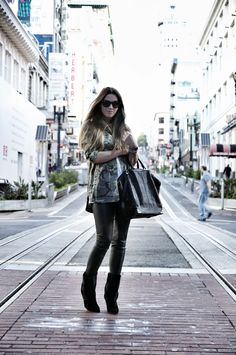 OUTFIT / IN SAN FRANCISCO CITY COTTDS