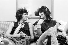 Keith Richards and Ronnie Wood, New York, 1979 Read more at http://www.nme.com/photos/david-bowie-the-rolling-stones-and-more-14-iconic-pictures-by-rock-photographer-michael-putland/361210/1/1#hUZm7QDDjBfkuhVs.99 Photo: Michael Putland/Getty Images