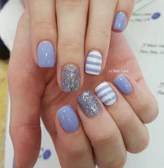 15 Increíbles Diseños para tu Próxima Manicura que son Perfectos para Uñas Cortas - rolloid Glitter Gel Nails, Shellac Nails, Diy Nails, Blue Gel Nails, Silver Nails, Short Nail Designs, Gel Nail Designs, Nails Design, Stripe Nail Designs