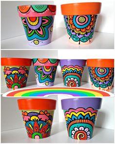 Flower Pot Art, Clay Flower Pots, Flower Pot Crafts, Clay Pots, Painted Plant Pots, Painted Flower Pots, Decorated Flower Pots, Pottery Painting Designs, Scratch Art