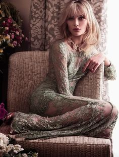 fashion editorials, shows, campaigns & more!: glamour old school: luana teifke by zee nunes for vogue brazil may 2013 Look Fashion, High Fashion, Fashion Beauty, Glamour, Francesca Miranda, Green Lace Dresses, Green Gown, Mode Boho, Models