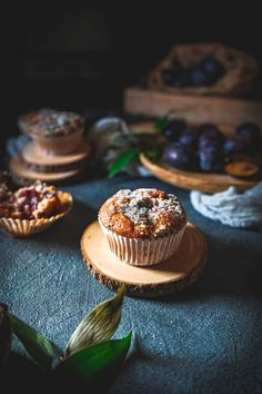 Šťavnaté Slivkové Muffiny Cheesecake, Desserts, Basket, Tailgate Desserts, Deserts, Cheesecakes, Postres, Dessert, Cherry Cheesecake Shooters