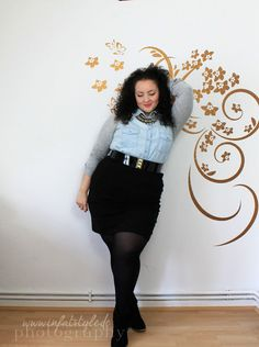 In Fat Style - Stil in Übergröße: Chain, Jeans, and Skirt
