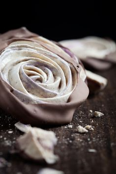 meringue-rose-close-up-chocolate-dipped-blueberry-roses-
