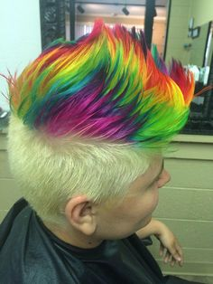 We've gathered our favorite ideas for Hair Love Hair Styles Dyed, Explore our list of popular images of Hair Love Hair Styles Dyed in short rainbow hair color. Green Hair Men, Purple And Green Hair, Men Hair Color, Hair Colors, Pastel Colors, Short Rainbow Hair, Funky Hairstyles, Pixie Haircuts, Medium Hairstyles