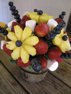Fruit Tray Arrangements   Fruit arrangements and vegetable trays also are popular client ...