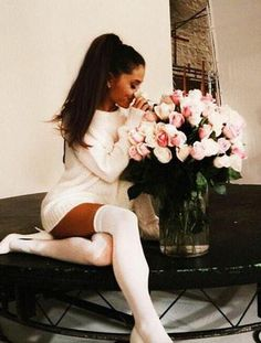 Every girls dream! Ariana Grande cute style oversized jumper sweater white outfit knee length socks flowers stunning cute gorgeous