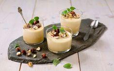 Brunost i en dessert er spennende og originalt, moussen får en fyldig og god karamellsmak fra brunosten.