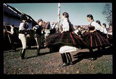 From Csík, NHA Néprajzi Múzeum   Online Gyűjtemények - Etnológiai Archívum, Diapozitív-gyűjtemény Folk Costume, Costumes, Hungarian Dance, Folk Dance, Folk Music, Folklore, Hungary, Embroidery Patterns, Identity