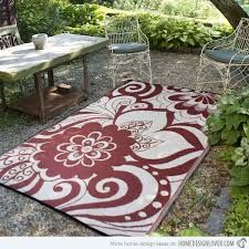 This Maui woven recycled plastic indoor outdoor area rug is perfect for the patio or deck. Indoor Outdoor Carpet, Indoor Outdoor Area Rugs, Indoor Outdoor Rugs, Outdoor Decor, Recycled Rugs, Vegetable Garden Design, Outdoor Dining Set, Maui, Hawaii