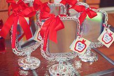 Table smlweb 0011 Snow White Guest Dessert Feature