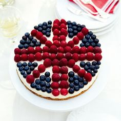 British Cheesecake - The Best Cheesecake Recipes - Woman And Home Cheesecake Desserts, Köstliche Desserts, Delicious Desserts, Dessert Recipes, Yummy Food, Cheesecake Decoration, Lemon Cheesecake, Fun Recipes, Strawberry Cheesecake