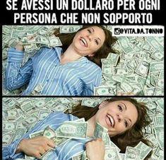 Lo so che stai leggendo. non sopporto nemmeno te comunque Crazy Funny Memes, Wtf Funny, Funny Jokes, Funny Images, Funny Photos, Verona, Funny Chat, Italian Memes, Savage Quotes