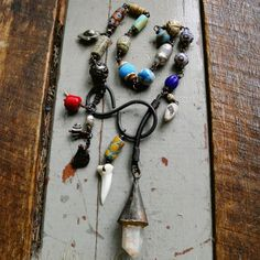 Rustic tribal assemblage lariat necklace with raw quartz, found clasp and tribal beads | quisnam