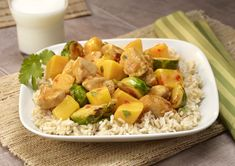 Sautéed Mango, Brussels Sprouts and Chicken with Spicy Mango Sauce Recipe - Fruits & Veggies More Matters : Health Benefits of Fruits & Vegetables Fruit Benefits, Health Benefits, Chicken Plating, Mango Sauce, Chili Garlic Sauce, Asian Recipes, Ethnic Recipes, Low Calorie Recipes, Fruits And Veggies