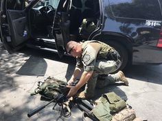 """""""At the scene of Armed barricaded suspect in Male Felony probation suspect inside loc at 1900 blk W Pepper St. & Crisis Negotiation Team making all attempts for peaceful resolve. La County Sheriff, Swat, Pepper, Scene, Twitter, Swimming, Stage"""