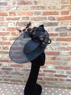 Guibert Disc Hat in Black