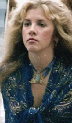 Stevie in blue ~ ☆♥❤♥☆ ~ and looking blue ~ tired, down 70s Singers, Members Of Fleetwood Mac, Buckingham Nicks, Stephanie Lynn, Stevie Nicks Fleetwood Mac, Beautiful Voice, Girl Crushes, Her Style, Role Models
