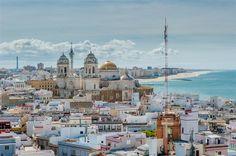 """#Cadiz als #Havanna. Für den James-Bond-Film """"Die Another Day"""" hielt die andalusische Hafenstadt als karibische Kulisse her."""