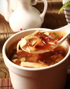 酸辣湯  Hot and sour soup    スアンラータン  Photo By Vicki Li