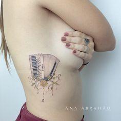 Ana Abrahão- Conheça as Tattooistas, um grupo de tatuadoras brasileiras apaixonadas pela arte em todas as suas formas;