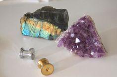 Geode Knobs - 20 Drawer Pulls to Buy + DIY via Brit + Co. #Gemstones #crystals