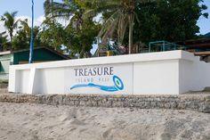 Treasure Island Resort - where great holidays happen! #tourismfiji #fiji #southpacific http://www.treasureisland-fiji.com/
