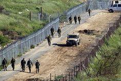 Razzi e colpi di artiglieria sul confine israelo-libanese. Kerry a Gerusalemme e Ramallah