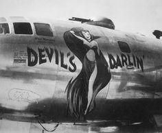 "B-29 Superfortress ""Devil's Darlin'"" nose art"