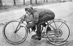 This is one of the best posed photos of a rider and a early racing motorcycle that we have seen in some time. One interesting feature of this single-cylinder Pope racing machine is the very short wheelbase compared to other machines of the era. Note the direct drive without a clutch or transmission as was the practice at the time.