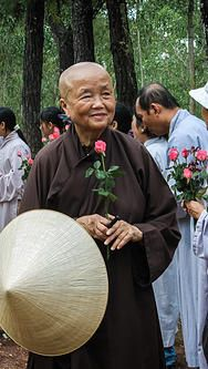 The Thich Nhat Hanh Foundation works to continue the mindful teachings and loving practice of Zen master Thich Nhat Hanh Famous Philosophers, Buddhist Practices, Zen Master, Foundation Planting, Thich Nhat Hanh, Mindfulness Practice, Planting Seeds, Beautiful Moments, Buddhism