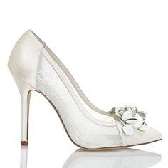 Zapato de novia de Menbur (ref. 5879) Bridal shoes by Menbur (ref. 5879)