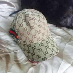 NEW fashion baseball cap Up for grab is this NEW never been worn,fashionable UNISEX baseball brown  cap,with adjustable strap...look awesome this spring and summer season Accessories Hats