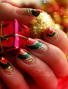 holliday nail design Christmas | Best, Easy & Simple Christmas Nail Art designs & Ideas_20