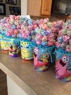 Cute centerpieces I made. Spongebob party Spongebob Birthday Party, Leo Birthday, 4th Birthday Parties, Spongebob Party Ideas, Birthday Ideas, Party Centerpieces, Sponge Bob Party, Threenager, Spongebob Squarepants