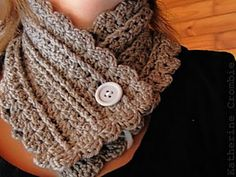Urban Shells Scarf, self trimmed: free easy pattern
