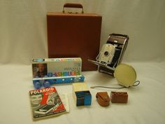 Vintage 1950's Polaroid 95a Land Camera with Carrying Case and Accessories