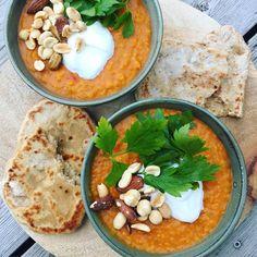 Indian Dahl – Recipe for Indian vegetarian casserole - Nutella 2019 Vegan Recipes Easy, Veggie Recipes, Indian Food Recipes, Vegetarian Recipes, Dahl Recipe Indian, Vegetarian Casserole, Food Bowl, Moussaka, Veggie Dishes