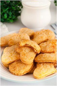 Ciasteczka śmietankowe - I Love Bake Food Cakes, Cookie Bars, Pretzel Bites, Biscotti, Coffee Shop, Cookie Recipes, Food And Drink, Bread, Cookies