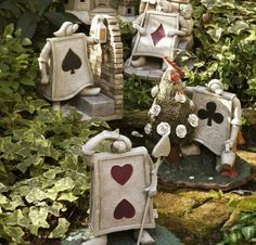 41 Ideas Garden Quotes Alice In Wonderland In order to have a great Modern Garden Decoration, it's helpful … Alice In Wonderland Garden, Adventures In Wonderland, Disney Home Decor, Disney Crafts, We All Mad Here, Disney Rooms, Disney House, Garden Quotes, Mad Hatter Tea