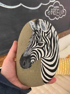 Zebra Painting, Pebble Painting, Pebble Art, Stone Painting, Rock Painting, Mandala Painted Rocks, Hand Painted Rocks, Stone Crafts, Rock Crafts