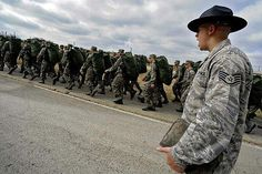 """25 signs you grew up as a Military brat """"The first song other than the National Anthem you learned all the words to was a pretty hilarious and inappropriate cadence call."""" Haha so true for Jake Military Brat, Army Brat, Military Style, Strength Training For Beginners, Strength Training For Runners, Military Workout, Military Training, Air Force Basic Training, Drill Instructor"""