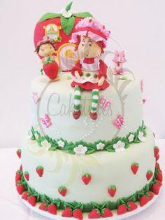 Strawberry Shortcake Cake by Caketutes - Bolo Moranguinho