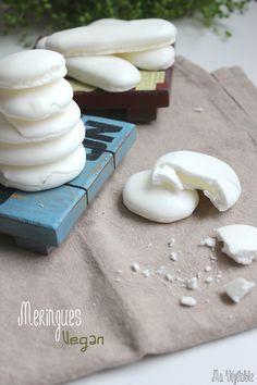 meringues vegan substitut blanc d'oeuf = jus pois chiches en conserve inquantaine de petites meringues) :  - 1 conserve de 400 g de pois chiches bio, qui vous permettra de récolter 145 g de jus de pois chiches. N'utilisez que le jus contenu dans la boite - 285 g de sucre glace