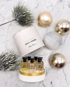 #Christmas  #santababy 🎄 from @SofieValkiers's closet