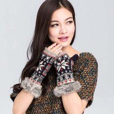 Snowflake Knit Gloves - Black