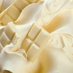 Nutella bianca fatta in casa Mousse Dessert, Creme Dessert, Chocolate Blanco, Love Chocolate, New Year's Desserts, Dessert Recipes, Antipasto, Bakery Recipes, Cooking Recipes